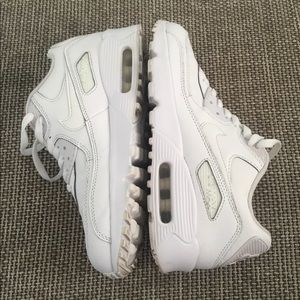 White Nike Air Max Ultra / 6.5Y - US 8 Woman's